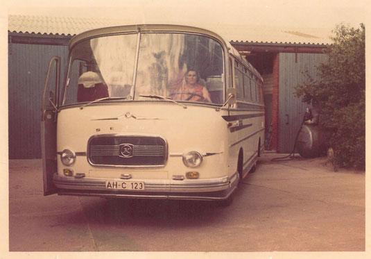 Alwine Boonk 1968 im ersten Reisebus