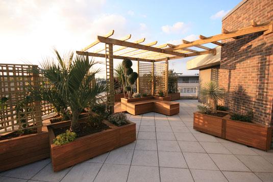 Roof top, bacs sur mesure, plantes en terrasse, création JARDIVILLE