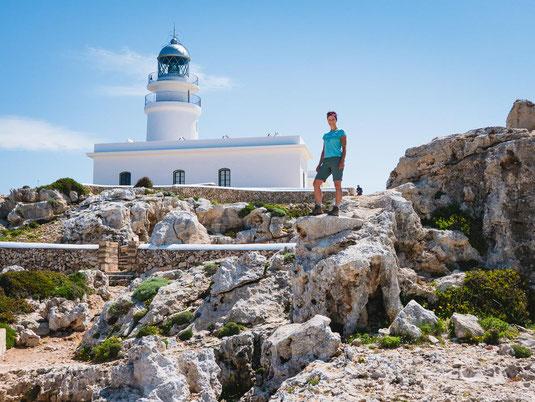 Tolles Fotomotiv, der weiße Leuchtturm am Cap de Cavalleria