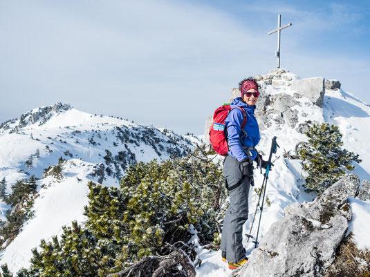 Am Gipfel der Seewand. Links im Hintergrund ist die Lacherspitz zu sehen.