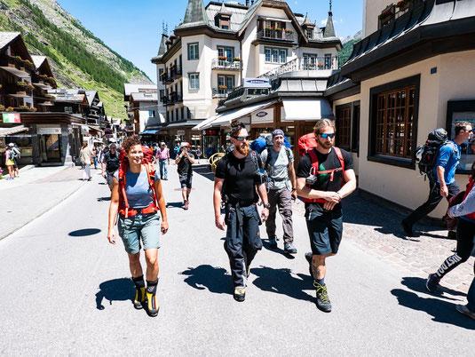 Bergsteiger im Schickimicki-Dorf Zermatt