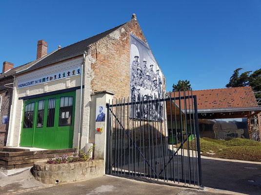 Centre d'interprétation  Vignacourt 14-18 dans la cour de la ferme Thuillier rénovée.