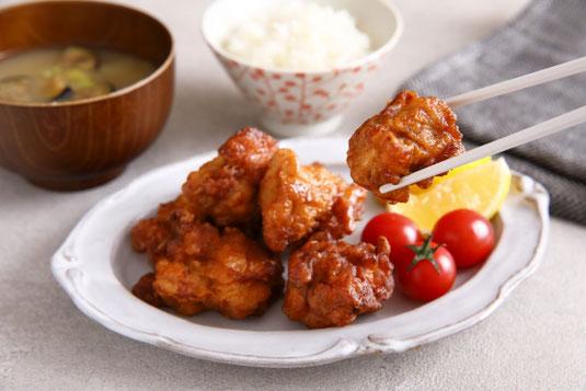 分類された野菜とフルーツ。