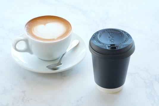 パソコンのキーボード。マウス。ゾウのかたちをしたマウスパッド。