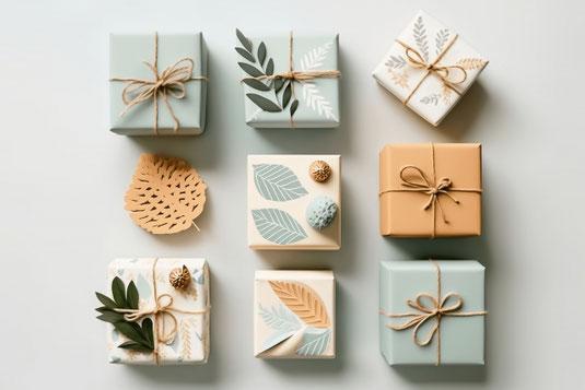 お皿に盛りつけられたガトーショコラ。粉砂糖で「アイラブユー」のメッセージ。ナイフとフォーク。