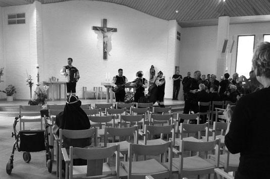 Tanz der Slowenen in der Kirche von Vadstena