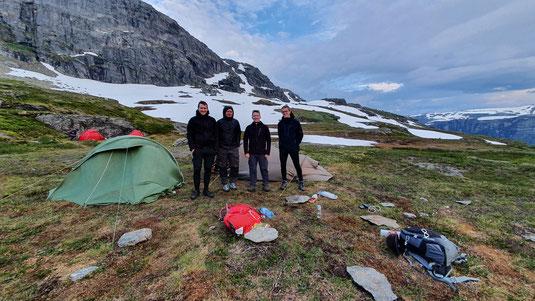 (v.l.) Philipp, Marius, Thomas,Lasse nach einer langen Wanderung