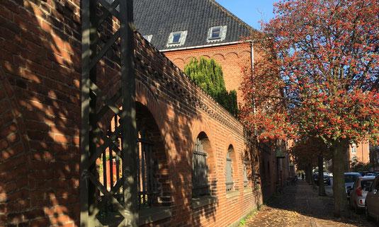 Das Niels Steensen Gymnasium von außen