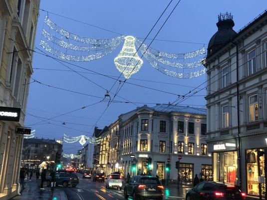 Weihnachtliche Beleuchtung in Oslo