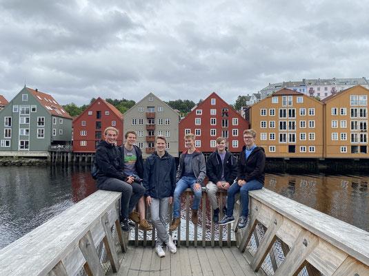 Unterwegs in Trondheim mit Thomas, Tim, Hannes, Paul und Lasse (von rechts). Foto: Lukas Lorf-Wollesen
