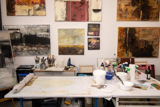 Atelier, Moderne_Kunst, Acryl, Pinsel, Malerei, Modern_Art, ART, Ottobrunn, München, Farbe, S18, Mischtechnik, Beton, Zement, Tusche, Bitumen, Schellack, Ausstellung, Galerie, Sabine_Zacharski