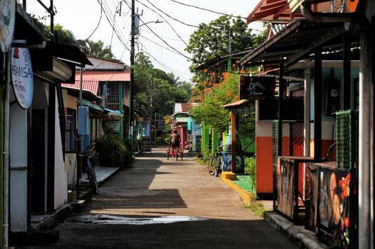 Tortuguero, Costa Rica, Straßenszene