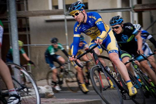 Gregor im Rennen - bessere Krafteinteilung dank Leistungsmessung