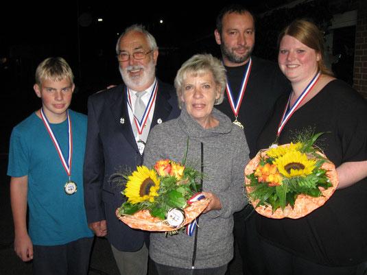Torge Süchting, Gerhard Buske, Birgit (Mutter von Katja), Thomas Eggert, Stefanie Willert