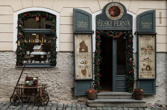 typical shop in Cesky Krumlov © Michael Schnabl