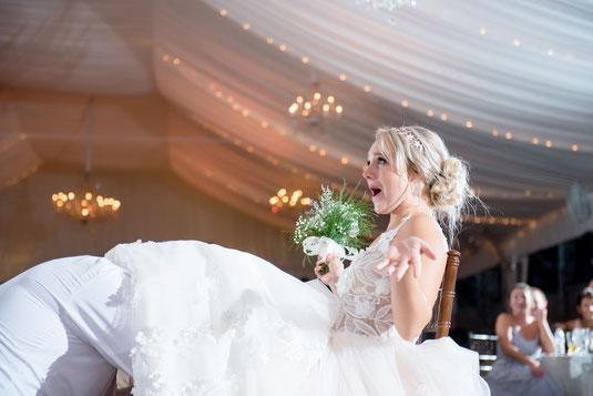 """Beim """"FIRST LOOK"""" werden alle Gedanken sich bei euch um den Augenblick drehen, wenn Ihr euch das erste Mal als Braut und Bräutigam seht. Viele Paare sehen sich erst am Standesamt oder in der Kirche, es gibt aber auch die Möglichkeit"""