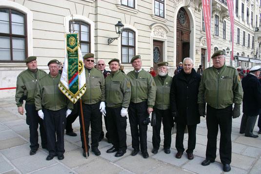 Der Pionierbund aus Krems-Mautern trat zur Verabschiedung von General Entacher in der Wiener Hofburg an.  Foto: WaPA