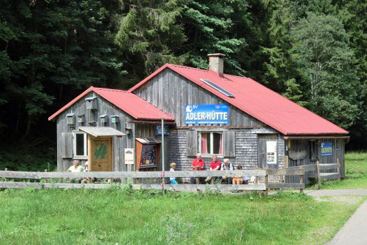 Viel zu entdecken in der LBV Adlerhütte im Hintersteiner Tal.