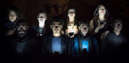 """La compañía de teatro """"El clan"""" presenta su nueva producción """"Vidas al borde"""""""