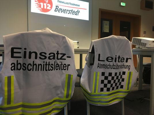 Funktionswesten; Einsatzabschnittsleiter; Atemschutzüberwachung; Einsatzleiter; Feuerwehr Beverstedt; Freiwillige Feuerwehr Beverstedt; Ortsfeuerwehr Beverstedt; Ortswehr Beverstedt