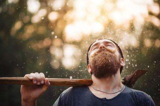 Holzfäller mit Bart