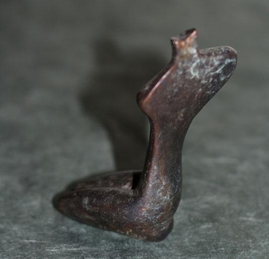 Erinnerung an Ägypten / Kleine Bronzefassung in der Größe des Steins / Ansicht von hinten
