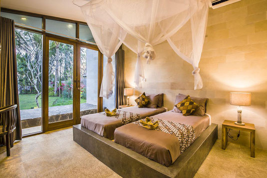West Bali beachfront villa for rent by owner. Melaya beachfront villa for rent by owner