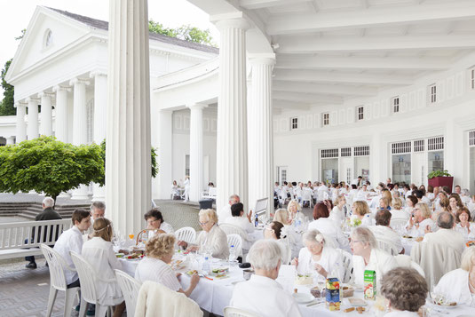 Diner en blanc in Bad Oeynhausen © Michael Kohls