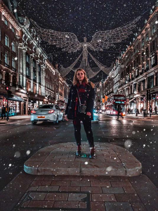 Zu sehen ist die berühmte Oxford Street in London zur Winterzeit
