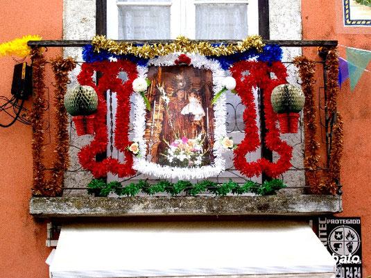 Festtag des Hl. Antonius in Lissabon, Foto (c) Fiore Silvestro Barbato CC BY-SA 2.0, Foto Teaser: Briefmarke des Königreichs Italien von 1931