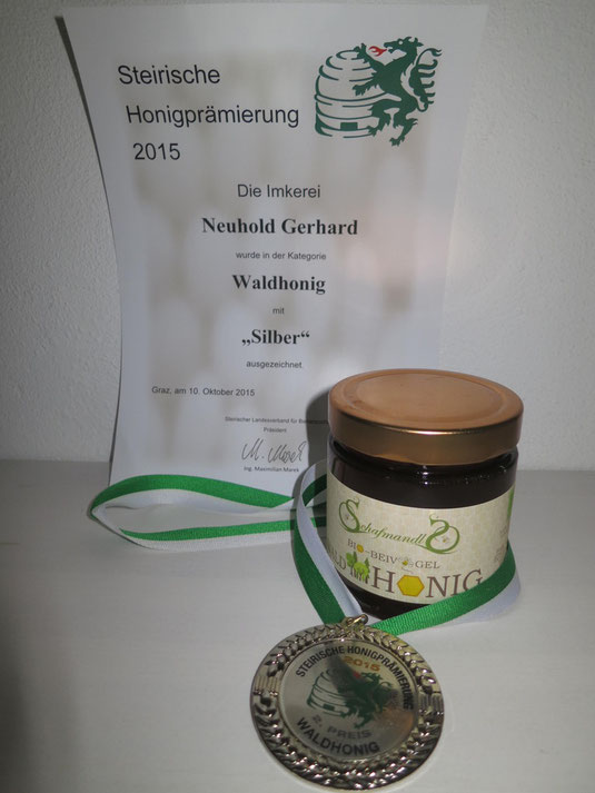 Unter 1600 Honige erreichte unser Bio-Waldhonig Schafmandl Silber