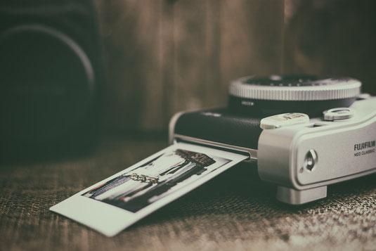 FUJIFILM Instax Mini 90 Neo Classic Sofortbildkamera mit Polaroid Film