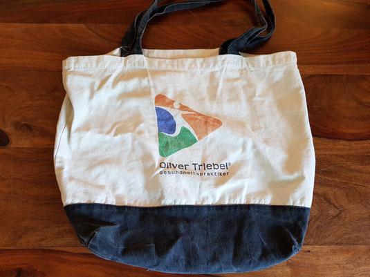 Meine Einkaufstasche aus Stoff ist seit vielen Jahren mein treuer Begleiter.