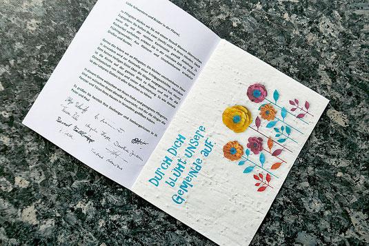 Foto der Grußkarte des Pastoralteams mit beigefügtem Blumensamen