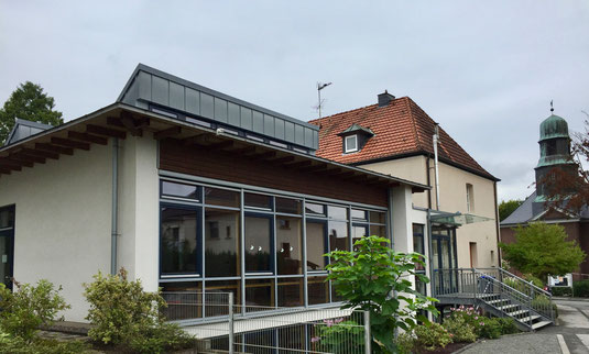 Gemeindezentrum St. Liborius.  Foto:  Paul Gerhard Braun
