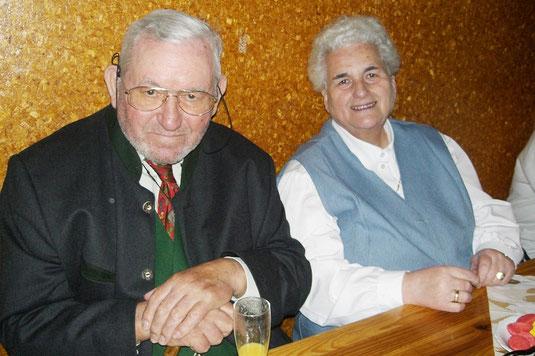Manfred und Elisabeth Schüngel beim 35-jährigen Pfadfinderjubiläum 2010