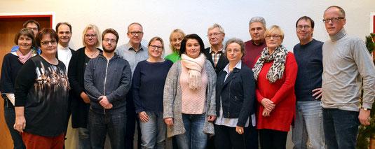 v.l.: M.A. Niederhoff, T. Fischer, Gemeindereferentin P. Gewert, Pfarrer H. Schmitz, M. Reichelt, D. Kampmann, Dr. P. Vogt, J. Haverkamp, A. Mayböck, B. Kilit, S. Mayböck, M.M. Seidel, H. Hesse, A. Lehmhaus, U. Kestler, M. Schwermann