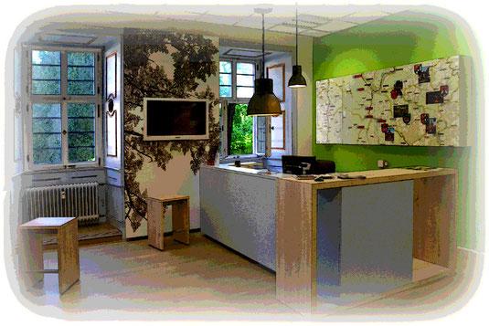 Der Ersteindruck ist bestimmend für die Wahrnehmung von Räumen. Daher sollte insbesondere der Empfangsbereich akustisch optimiert werden.