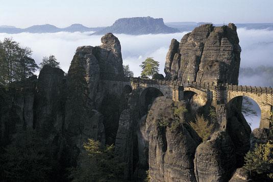 """""""Landschaft im Licht"""", Basteibrücke Rathen"""
