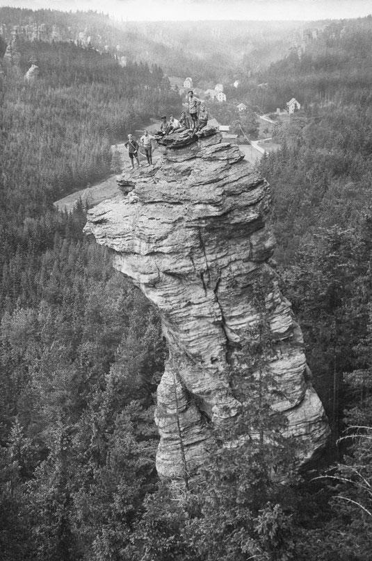 Kletterer auf dem Stumpfen Kegel, unbekannter Fotograf