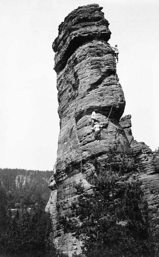 Schiefer Turm, Ostkante, Foto: Paul Kippe um 1915