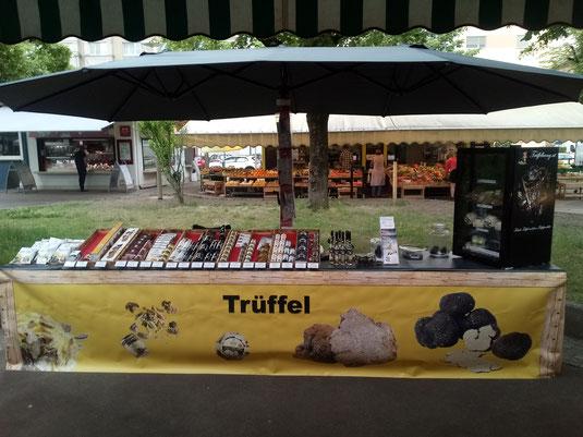 Marktstand von Trueffelhang.at am Südbahnhofmarkt Linz - Trüffelmarkt