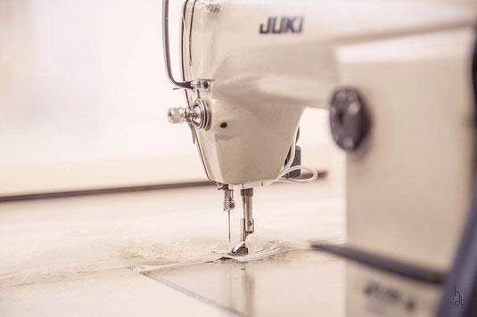 couture-artisanale-machine-a-coudre-sur-mesure-couturière-made-in-france-emmanuelle-gervy