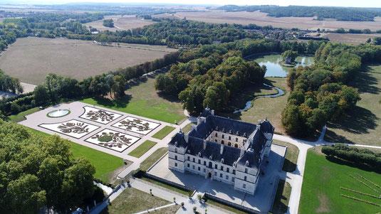 Le château d'Ancy-le Franc et son parc