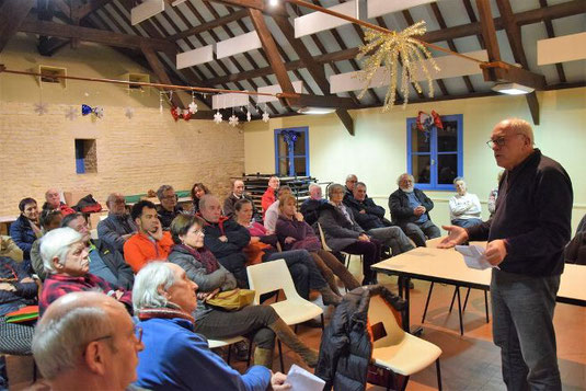 Réunion publique. une trentaine de personnes venues du secteur, mais aussi du nord de la Côte-d'Or étaient présentes à la première réunion publique de l'APFA. © DROSSON Thierry