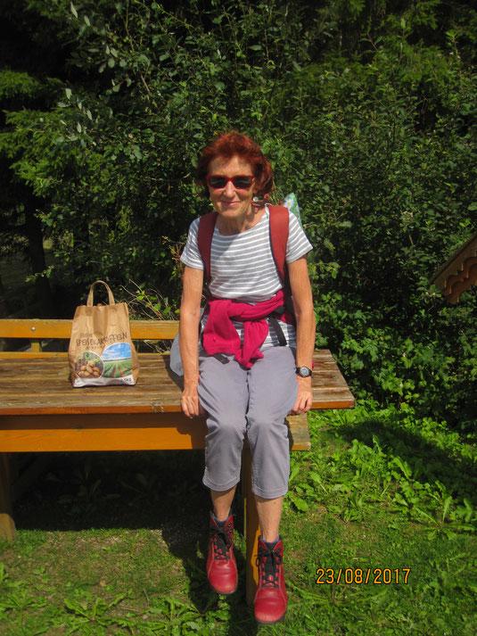 Unsere Yogalehrerin und Wanderbegleiterin: Gabriele Oberleithner aus Waidhofen/Ybbs, ausgebildete Yogalehrerin und Lebensberaterin