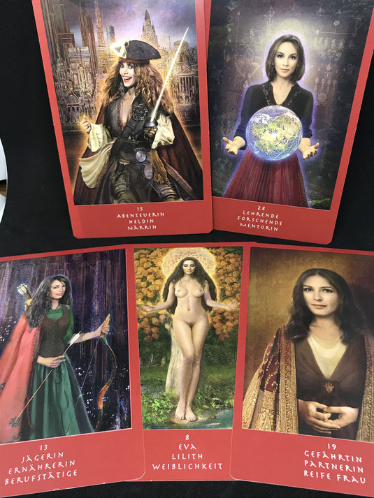 Orakelkarten bei Phönixzauber im Onlineshop Präsentation Eva Projekt Kartendeck