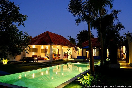 Spacious 4 bedroom freehold villa with large garden located at the west side of Sanur.