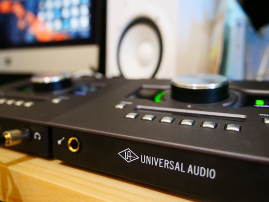 UADの高性能最新オーディオインターフェイスを採用