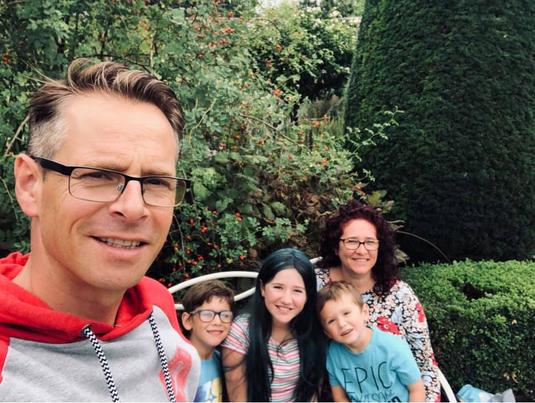 Christopher Wickland mit seiner Familie // Bild: Facebook